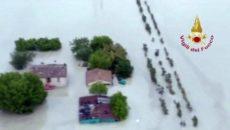 Comunicato stampa Piogge torrenziali, esondazioni, conseguenze del cambiamento climatico: servono investimenti strutturali per la sicurezza idraulica. Le proposte dei Verdi. In due giornate è caduta la pioggia di un mese […]
